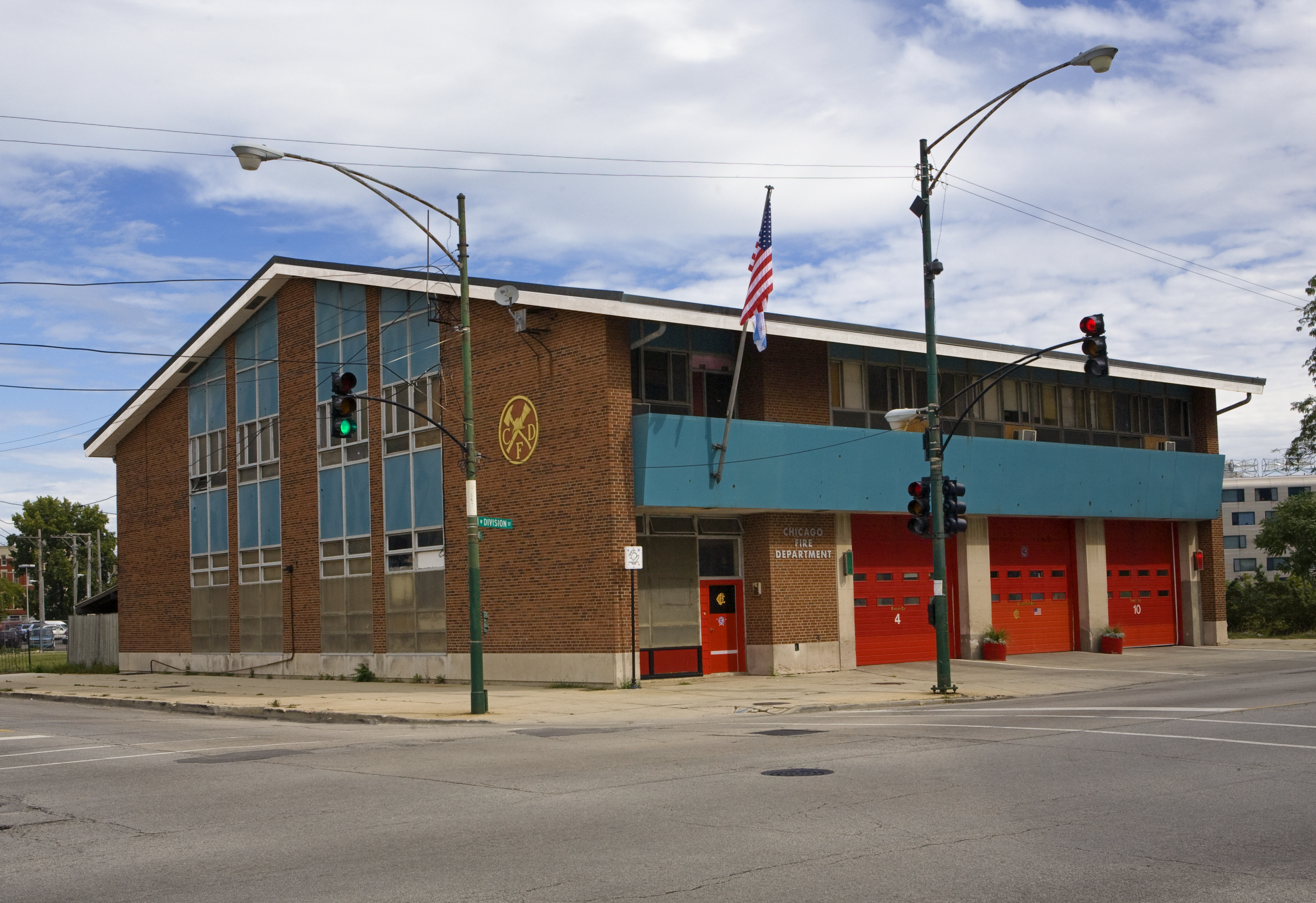 Chicago FD Engine 4 & Tower 10 station